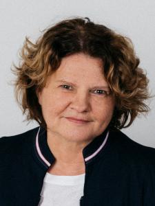 Profilbild von Anne Schaefer UX Consulting | UX Management | User Research | User Experience | UX/UI-Design | Visual Design | aus Burtenbach