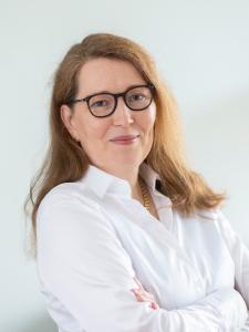 Profilbild von Birgit Schoenborn Ihre Verbindung zwischen Nerds und Nadelstreifen aus Berlin