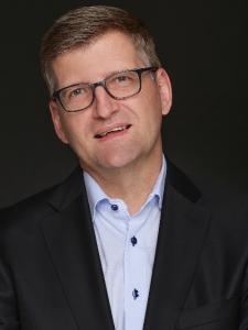 Profilbild von Burkhard Schmidt SAFe Program Consultant SPC / agile Coach für die digitale Transformation Aufbau von Digital Hubs aus FrankfurtamMain