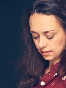 Profilbild von Fabienne Leonard Studierte Germanistin und Texterin aus Wiesbaden