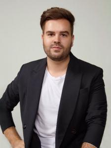 Profileimage by JosVictor Matos Creative Director & Marketing Analyst from