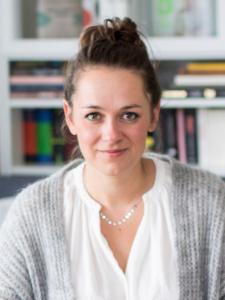 Profilbild von Karina Riedl Redakteur, Texter, Lektor, Projektmanager, Korrektor aus Fuerstenfeldbruck