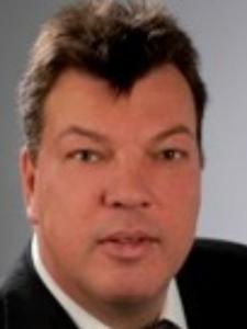 Profilbild von Karl Edelmann Cobol Mainframe z/OS iSeries pSeries AS/400 aus Muenchen