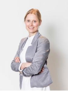 Profilbild von Laura KuehneHellmessen Projektmanagement und PMO aus Aschau