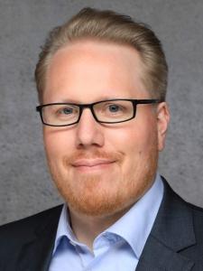 Profilbild von Lutz Pluempe Enterprise Service Architekt aus Bonn
