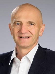 Profilbild von Pascal Schaellibaum Management auf Zeit / Projektbegleitung aus Zug