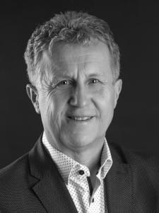 Profilbild von Reiner Hartmann Outsourcing - Transition - Provider Management - Service Management - RfP - Ausschreibung aus BadKissingen
