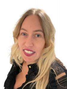 Profileimage by Sonja Uhl Social Media u. Digital Marketing Manager from Berlin