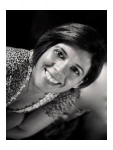 Profileimage by Tina Alfieri Freelance Translator/Copywriter from Istanbul