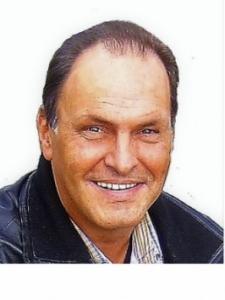 Profilbild von Uwe Mueller IT-System-Engineer, IT-Administrator, VMware , Cloud Services & Docker Container aus Schwarzach
