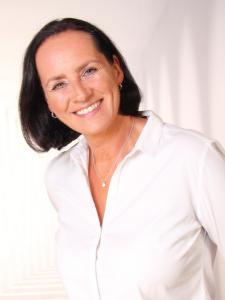 Profilbild von Yvonne Schirm Trainerin & Coach für Persönlichkeitsentwicklung aus ThyrnauKellberg