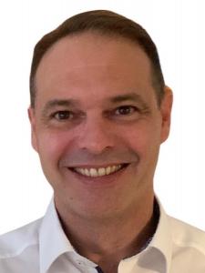 Profilbild von Anonymes Profil, Managementberater und IT-Projektmanager im Finance Bereich