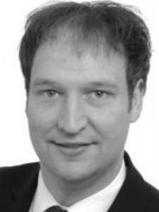 Profilbild von Anonymes Profil, Management Consultant mit Schwerpunkt Digitalisierung, Cloud Computing & Outsourcing
