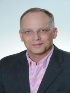 Profilbild von Anonymes Profil, Berater, Interim Manager und Coach für Neuausrichtungen und Projektmanagement